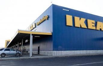 İKEA'dan başörtülü çalışanına tepki gösteren müşteriye alkışlanacak cevap!