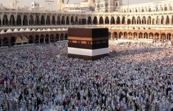 Suudi Arabistan, umre ziyaretlerini durdurdu!