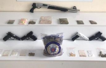Uyuşturucu tacirlerine darbe: Çok sayıda gözaltı