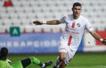 Antalyaspor evinde Sivasspor'u 1 golle geçti