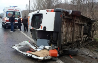 İşçi minibüsü devrildi: Çok sayıda yaralı var!