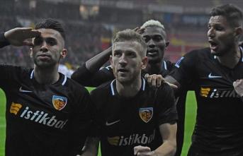 Kayserispor 3 puanı tek golle aldı