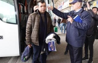 Kırklareli'de otobüslerle kente gelen yolcuların ateşi ölçülüyor