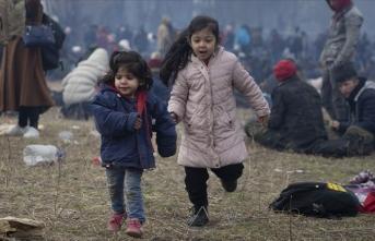 MHP'den mülteci çocukların ihtiyaçlarının karşılanması için kampanya