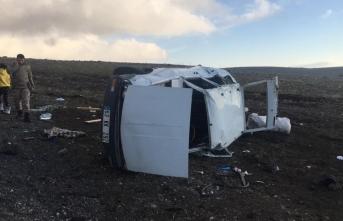 Otomobil şarampole devrildi: Çok sayıda yaralı!