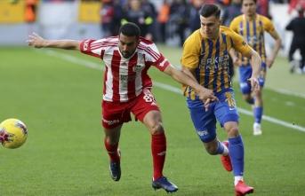 Sivasspor 3 puana ikinci yarıda uzandı