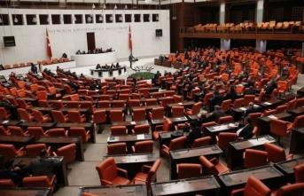 Siyasi partiler grup toplantılarını iptal etti