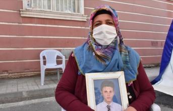 Diyarbakır annesi Solmaz Övünç: Onlarda biraz vicdan varsa oğlumu verirler