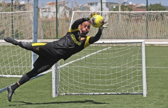 Göztepeli futbolcular gruplar halinde tesislerde çalışmaya başladı