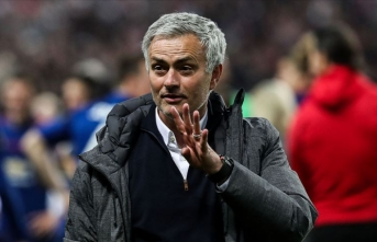 Oyuncularına parkta antrenman yaptıran Mourinho hatasını kabul etti
