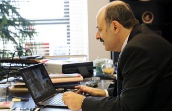 YÖK Başkanı Saraç, eğitim ve eczacılık fakültelerinin dekanlarıyla görüştü
