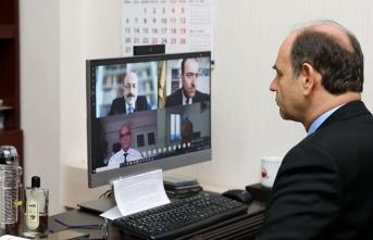 YÖK'ten dekanlarla video konferansla toplantı