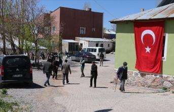 PKK'ın katlettiği 9 çocuk babası yardımseverliğiyle gönüllerde taht kurmuş