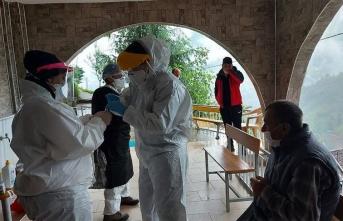 Rize'ye gelen 4 bin 569 çay üreticisine koronavirüs testi yapıldı