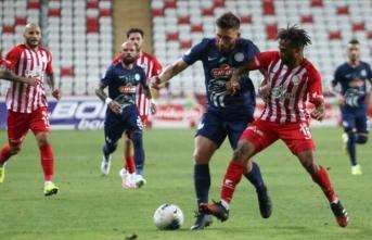 Antalyaspor, sahasında Rizespor'u mağlup etti
