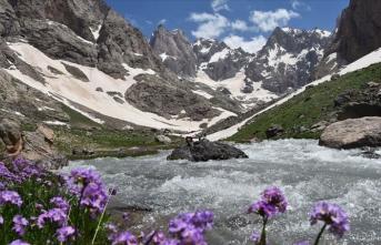 Cennet Cehennem Vadisi eşsiz güzellikleriyle ziyaretçilerini ağırlıyor