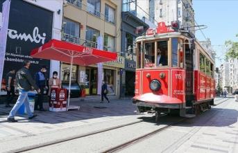 İBB ve Beyoğlu Belediyesi arasında İstiklal Caddesi'ndeki 'tak' anlaşmazlığı