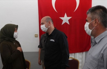 İçişleri Bakanı Soylu Hatay'da şehit ailesine taziye ziyaretinde bulundu