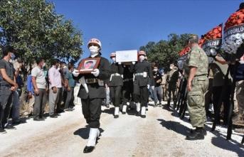 Şehit Piyade Sözleşmeli Onbaşı Durak son yolculuğuna uğurlandı