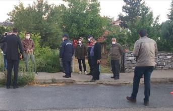 Şehit Uzman Çavuş Burak Aydoğan'ın Konya'daki baba evine Türk bayrağı asıldı