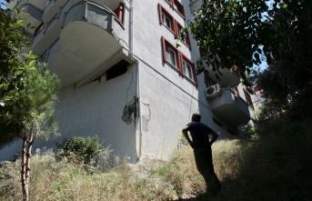 7 katlı apartmanın zemin kolonu patladı! Büyük panik