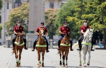 Atlı timlerden İstanbul'da 'korona' denetimi