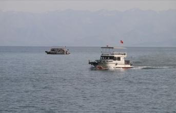 Batan teknedeki cesetlerin çıkarılması çalışmaları yeniden başladı