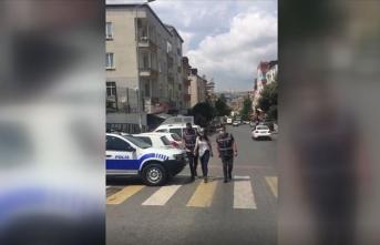 Küçük yaştaki kuzenine sigara içirmeye çalışan kişi gözaltına alındı