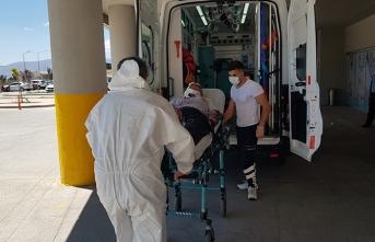 Erzincan'da otomobil şarampole devrildi: 6 yaralı