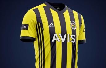 Fenerbahçe'nin yeni sezon formalarına yoğun ilgi