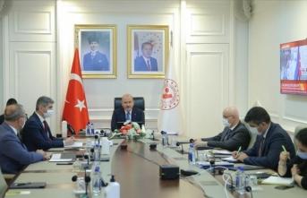 İçişleri Bakanı Soylu 81 ilin valisiyle Kovid-19 tedbirlerini değerlendirdi