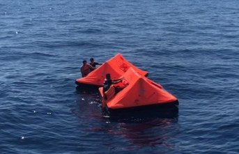 İzmir'de Türk kara sularına bırakılan 41 sığınmacı kurtarıldı