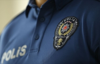 Kadıköy'de bir kadının gözaltına alınmasına ilişkin olayda görevden uzaklaştırılan polisler görevlerine iade edildi