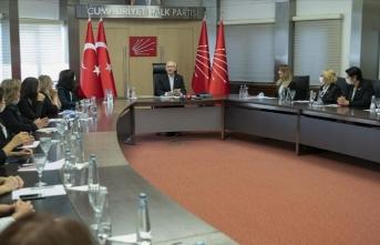 Kılıçdaroğlu partisinin Kadın Kolları üyelerini kabul etti