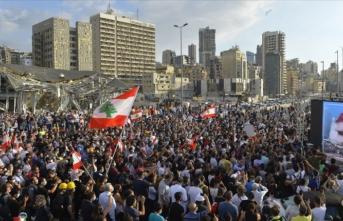 Lübnan'da hükümetin istifası sonrası gösteriler devam ediyor