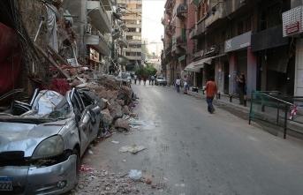 Lübnanlılar korkunç patlamanın yaralarını sarmaya devam ediyor