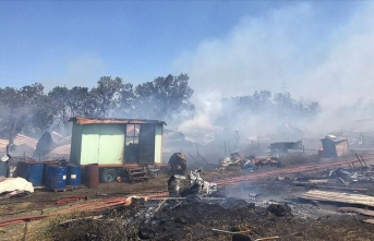 Makilik alanda çıkan yangın ormana sıçradı!