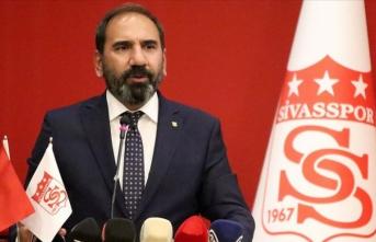 Sivasspor'da Mecnun Otyakmaz yeniden başkan seçildi