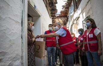 Türk Kızılayı kurban eti dağıtımına başladı