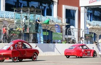 '16. TÜBİTAK Efficiency Challenge Elektrikli Araç Yarışları'nın özel yarışı İstanbul Park'ta yapıldı