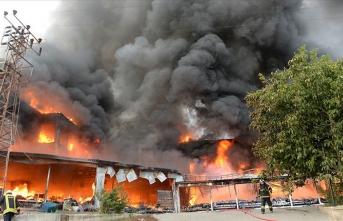 AVM'de çıkan yangın kontrol altına alındı