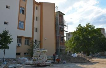 Depremlerin etkilediği Malatya'da okullar yeni döneme hazırlanıyor