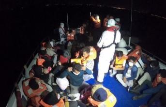 İzmir'de 40 sığınmacı kurtarıldı