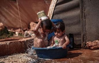 Kavurucu sıcaklarla mücadele ediyorlar: 'Bize yardım edin'