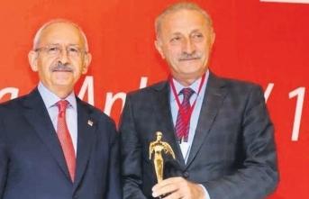 Tecavüzle suçlanan CHP'li belediye başkanına suç duyurusu!