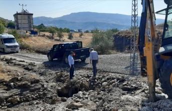 Tunceli'nin Hozat ilçesinde şiddetli sağanak taşkına neden oldu