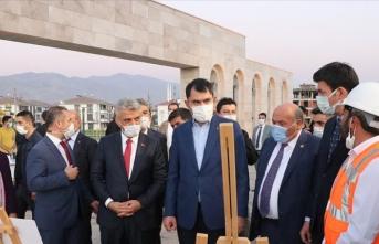Çevre ve Şehircilik Bakanı Kurum Erzincan'da