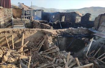 Devlet evleri yanan ailelerin yaralarını saracak