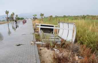 Şiddetli dolu ve fırtına: 1 kişi hayatını kaybetti