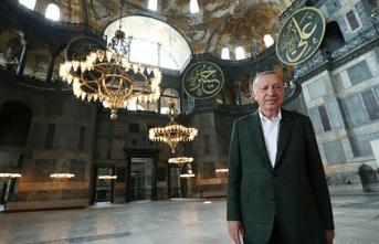 Erdoğan'dan Ayasofya Cami'ne iki güzide hediye!